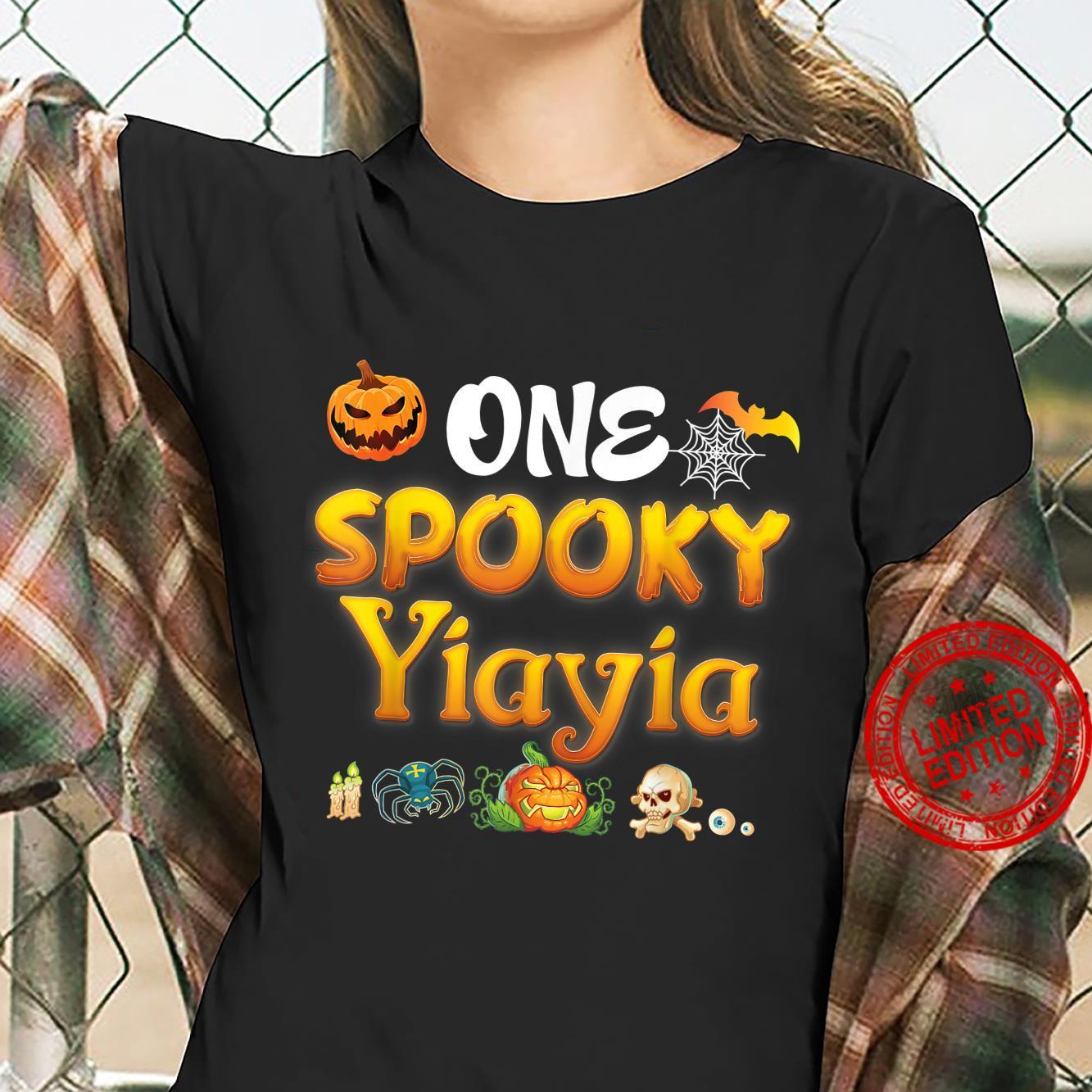 One Spooky Yiayia Scary Pumpkin Horor Halloween Ghost Creepy Shirt ladies tee