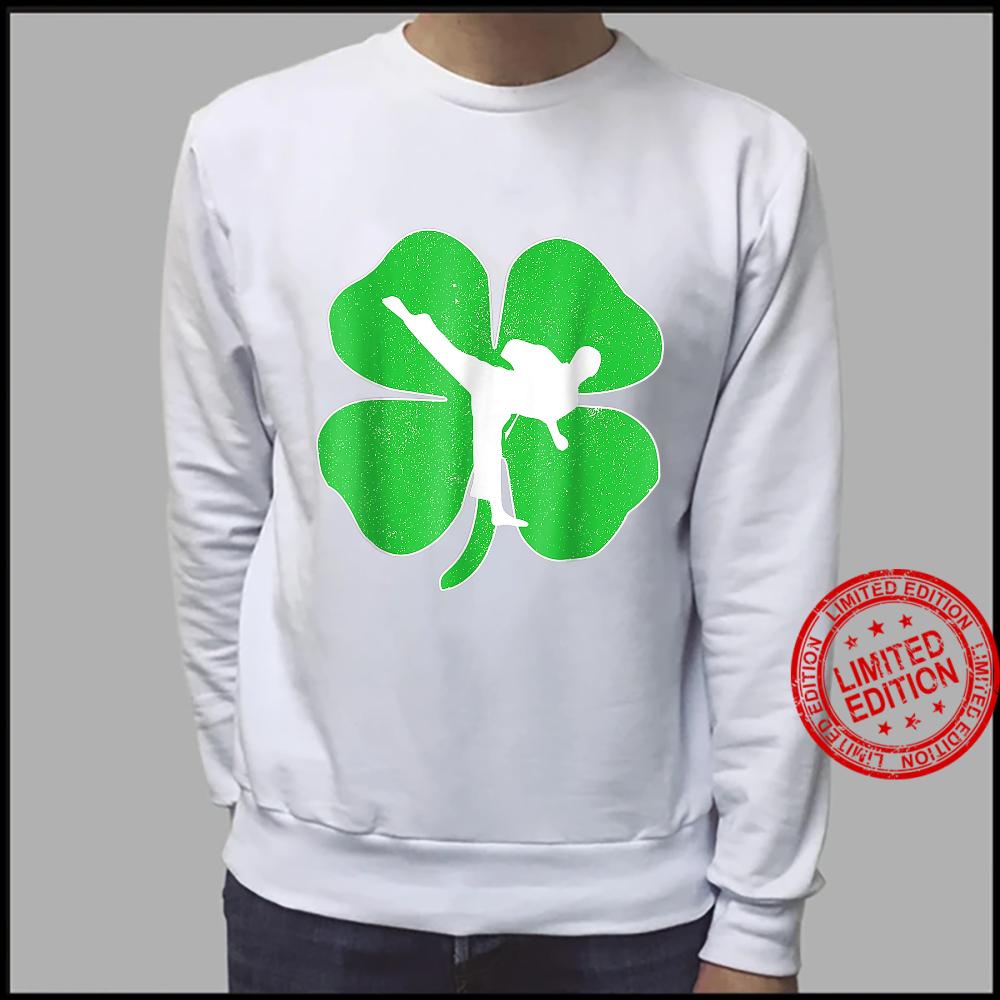 Vintage Karate Shamrock Karate Irish St Patricks Day Shirt sweater